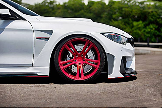 Alpine White Widebody BMW M4 Gets Kinetic Wheels