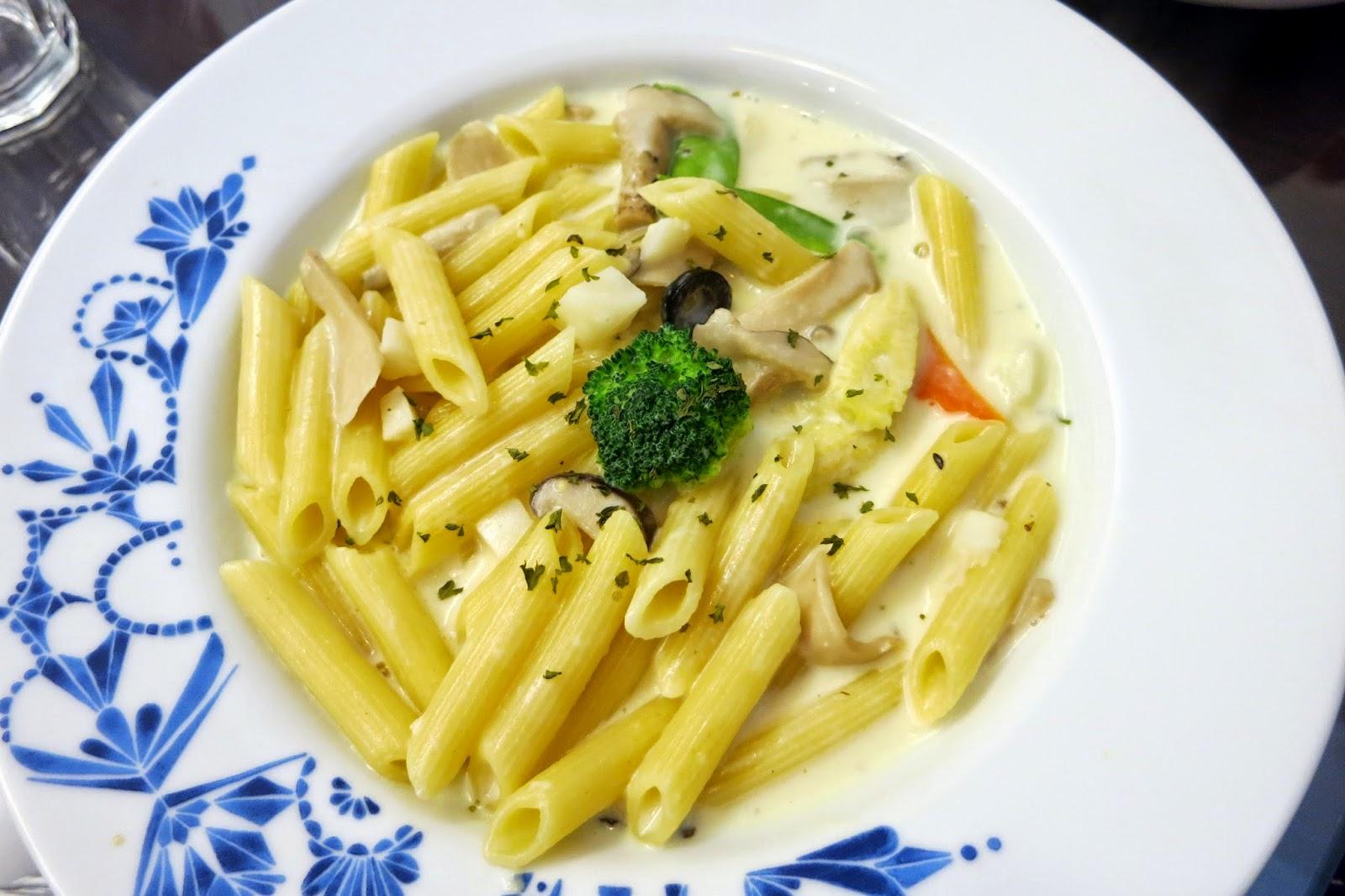 素食寶寶: 1030817新北市板橋區家里蔬食餐廳--健康素友社8月社聚(已歇業)