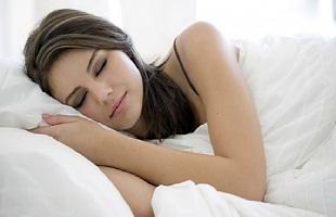 احذري هذه الاطعمة الطاردة لنوم
