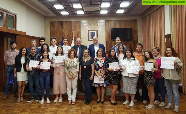 El Cabildo felicita a los institutos Eusebio Barreto y Luis Cobiella por alcanzar los primeros puestos en el concurso 'Odisea' de cultura clásica