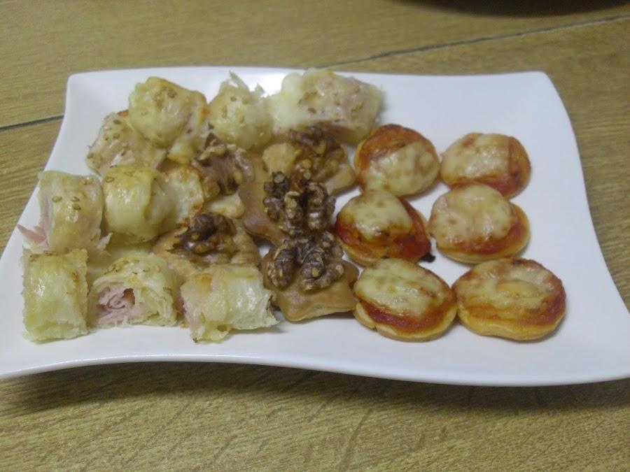 Hojaldres de queso y jamón dulce, de queso y sobrasada, con nueces