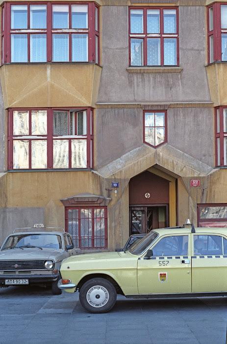 Prague, rue Elizabeth Krasnohorske, © L. Gigout, 1990