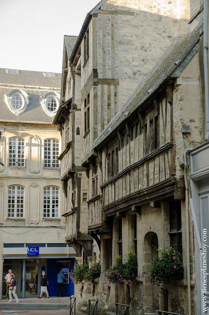 Bayeux viaje Normandia turismo roadtrip que ver