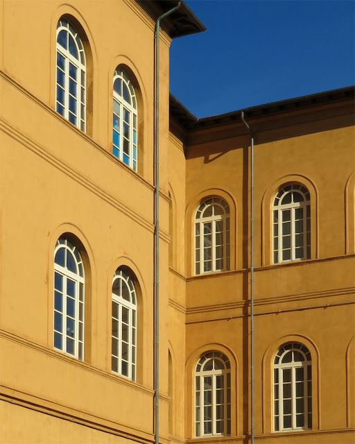 Eight windows, Antonio Benci elementary school, Livorno