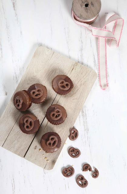 caramel peanut pretzel cookies