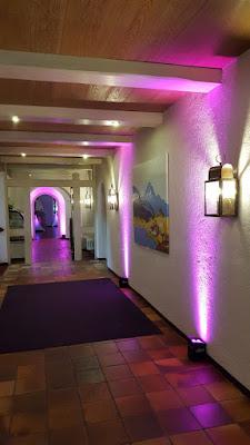 PInke Beleuchtung im Seehaus, Hochzeit, , Riessersee Hotel, Garmisch-Partenkirchen, Bayern, Vintage, Rosen, Schleierkraut, Rosa, Pink, See und Berge