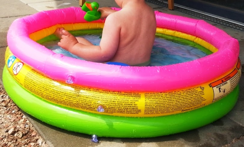 Planschbecken für Kleinkinder im Hof - Babypool ohne Weichmacher (phtalate)