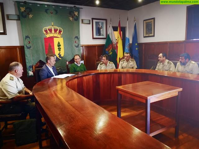 El Paso recibe a una comisión del Mando de Canarias para programar actividades a favor de la Cultura de la Defensa