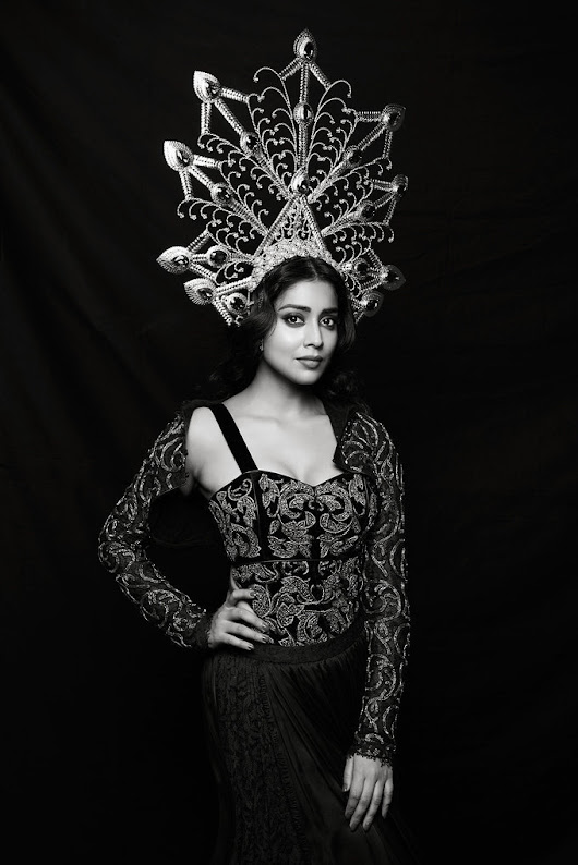 Shriya Saran Latest Photoshoot 2017 - Southcolors