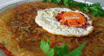 İsviçre'nin en ünlü yemekler,inden biri olan RÖŞTİ çeşitli şekillerde servis yapabilirsiniz