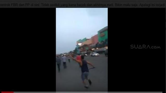 Seram! Massa FBR dan Pemuda Pancasila Bentrok dan Saling Bacok di Tangsel