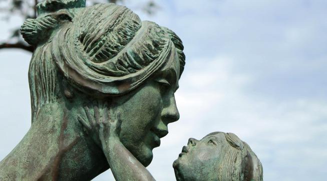 Anne Sevgisi, Baba, Anlaşmazlık