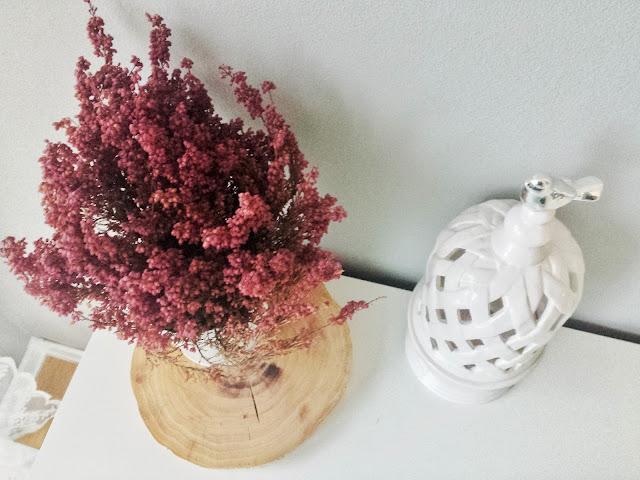 Wrzos i ceramiczny lampion Home&You