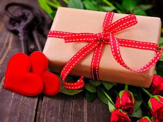 kado-terbaik-hari-valentine.jpg