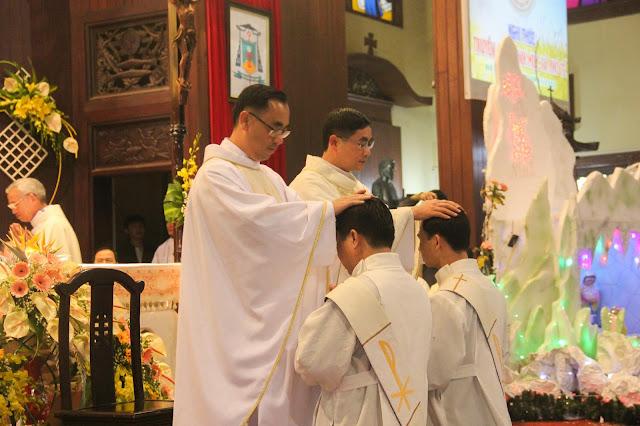 Lễ truyền chức Phó tế và Linh mục tại Giáo phận Lạng Sơn Cao Bằng 27.12.2017 - Ảnh minh hoạ 143
