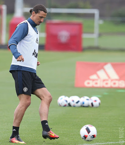 086357616a6 Zlatan Ibrahimovic during his first public training as Man Utd player