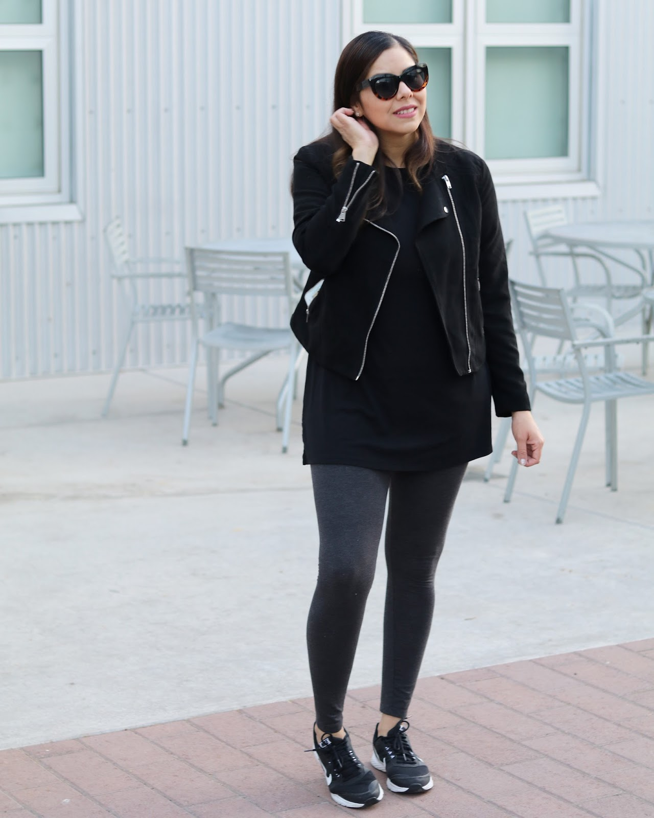 new mom style, mom style, stylish comfortable outfit