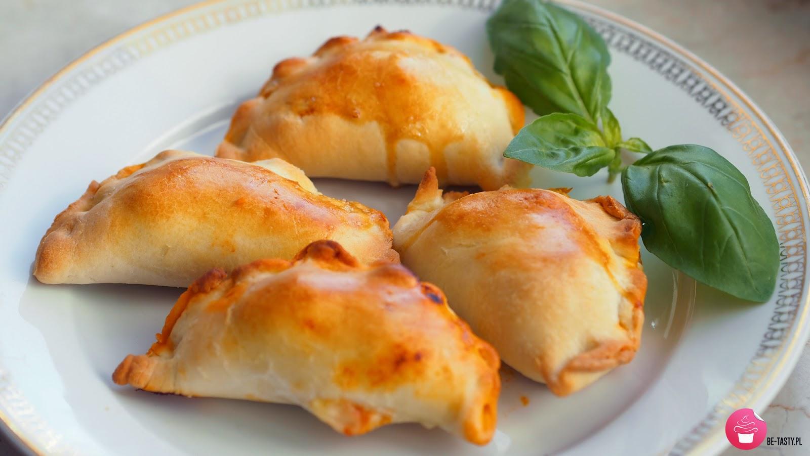 http://be-tastyblog.blogspot.com/2015/04/zapiekane-pierogi-bolognese.html