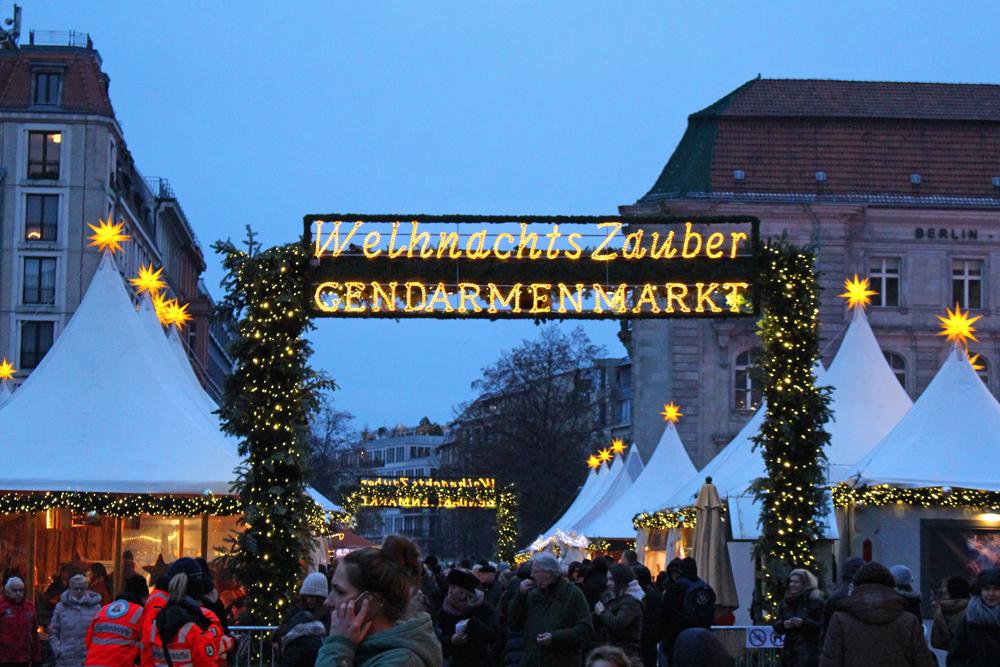 Gendarmenmarkt Christmas market at dusk, in Berlin - travel & lifestyle blog