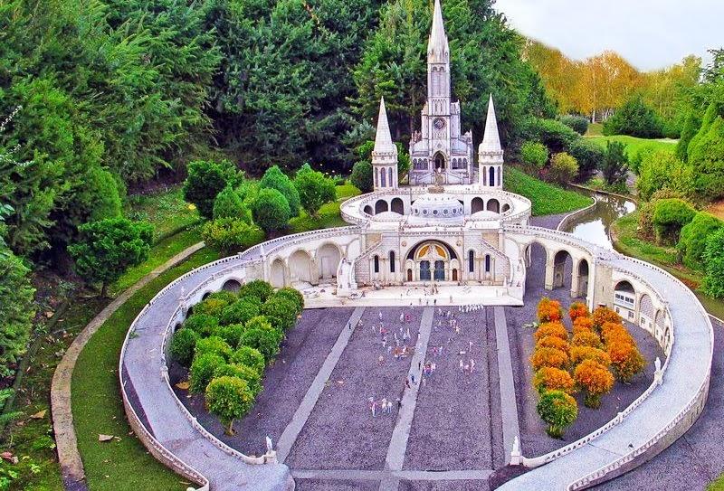 Santuário de Lourdes - França