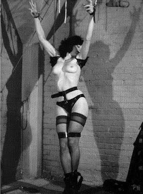 des-mots-en-équilibre BDSM femme attachée