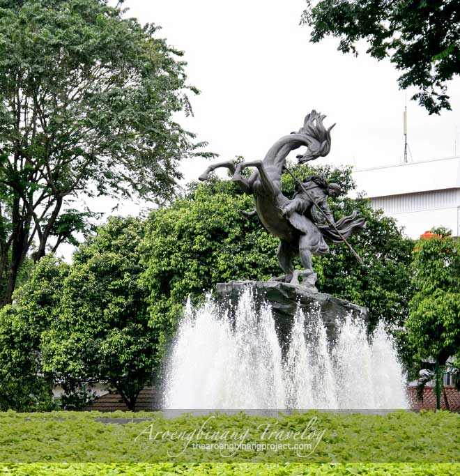 statue of pangeran diponegoro