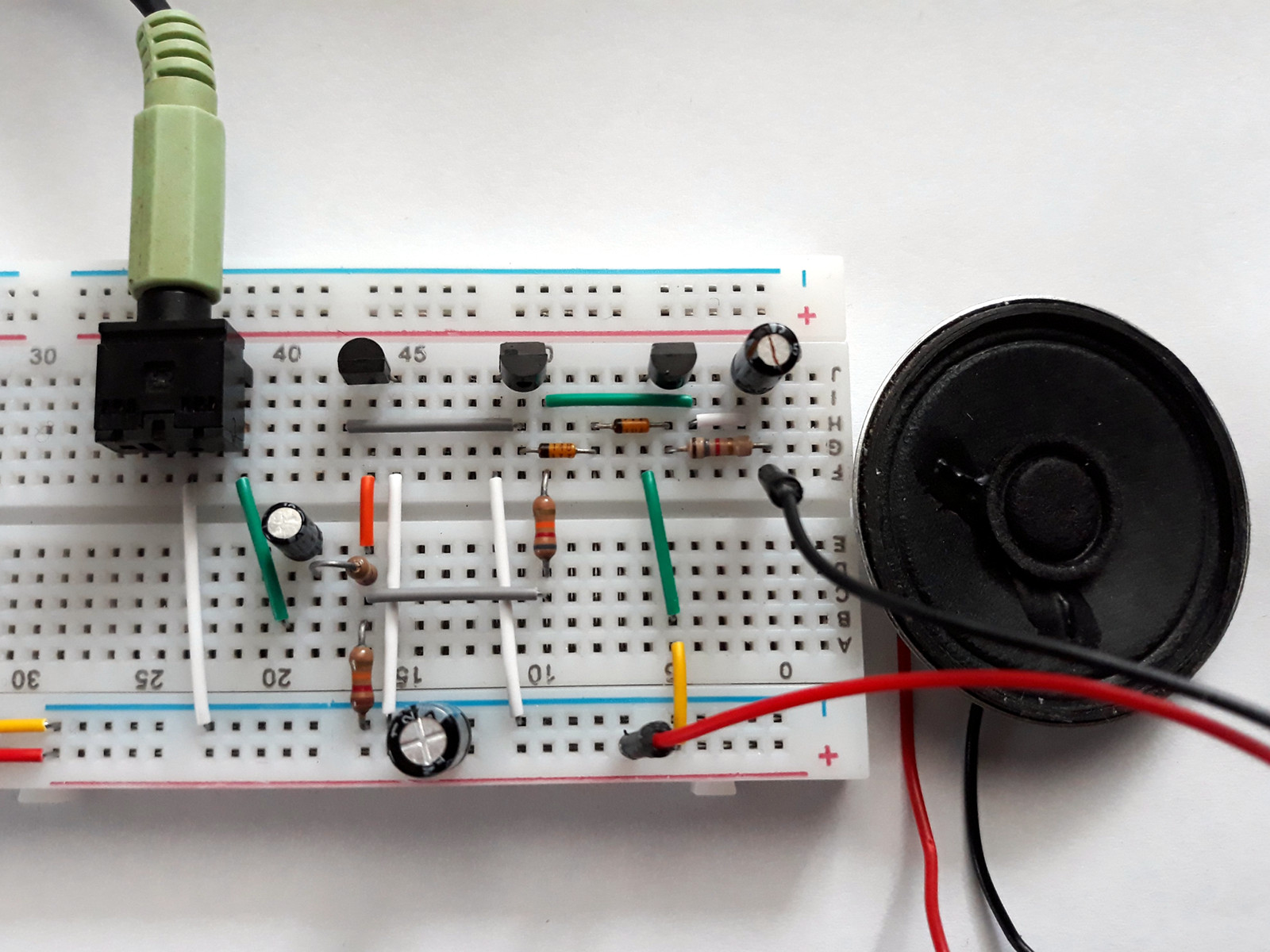 Audio Amplifier With Common Transistors One Transistor Use Of In A Circuit Build On Breadboard