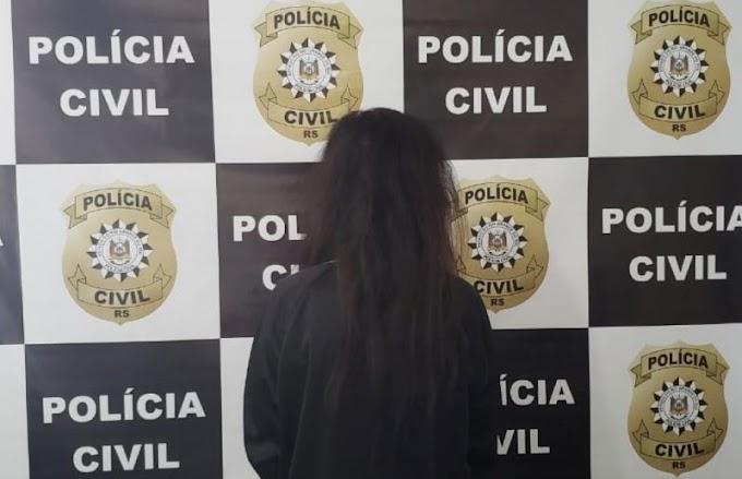 Delegacia de Homicídios de Gravataí prende foragida em Viamão