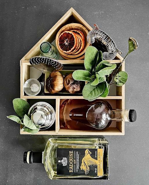 gin-quebecois,cocktail,radoune,radoune-vieilli,ail-noir,sirop-ail-noir-sauge,madame-gin