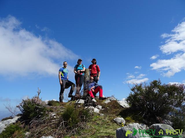 Cima del Pico Cogolla, Parres
