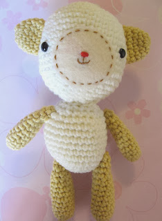 http://monkeycrochet.blogspot.com.es/2013/05/little-lamb-free-pattern.html