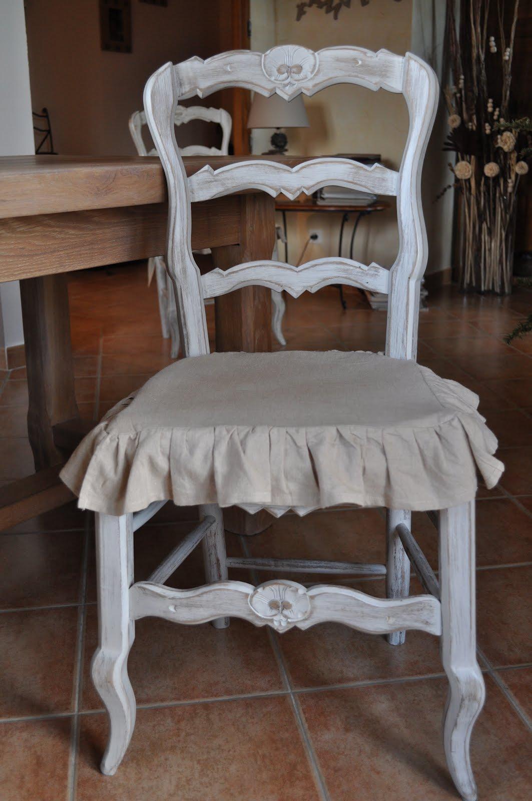 bois et patines nathalie madrenes rajeunir des chaises style campagnard. Black Bedroom Furniture Sets. Home Design Ideas