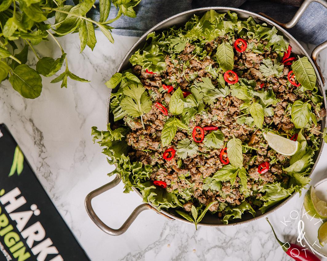 Härkis-larb eli mausteinen aasialainen vegesalaatti