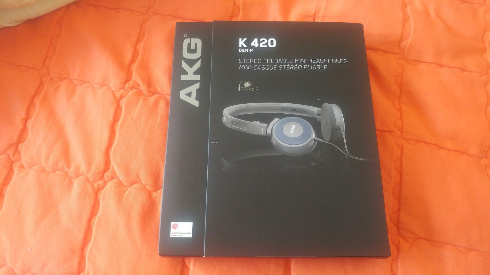 Hence why I decided to buy a new set of headphones. The same set of  headphones that I've bought in the past. The AKG K420.
