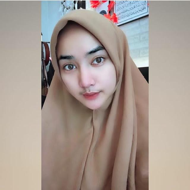 Ainun Syam Beautiful Nurse Wearing Hijab