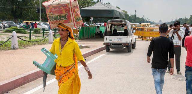Gente en Puerta de la India