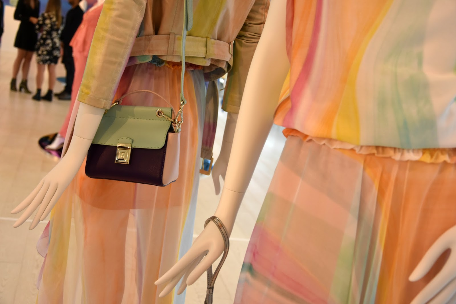 Settimana della moda di Milano  la collezione Patrizia Pepe 2017 ... 2585ceef3f7