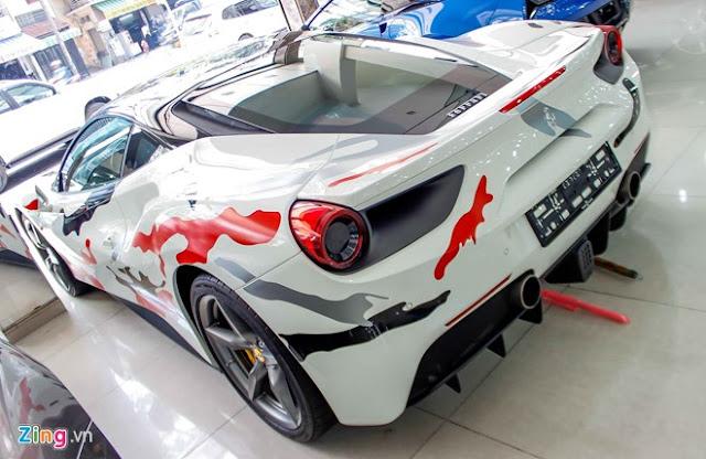 Siêu xe Ferrari 488 phong cách quân đội ở Sài Gòn