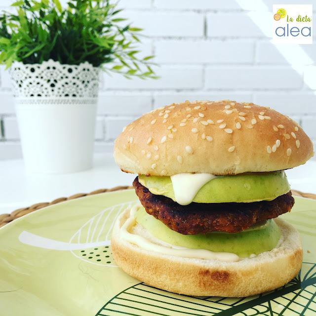 hamburguesa de alubias, hamburguesa de legumbres, hamburguesa vegana, hamburguesa vegetariana,