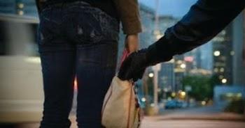 a931b3f35e Θύμα κλοπής η κόρη του Mr Coca-Cola  Της άρπαξαν τσάντα με κοσμήματα 1