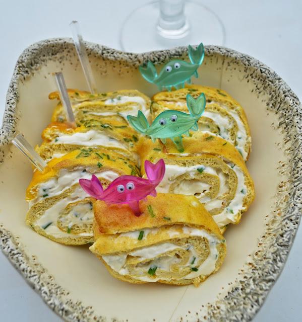 Roulés d'omelette à la ciboulette
