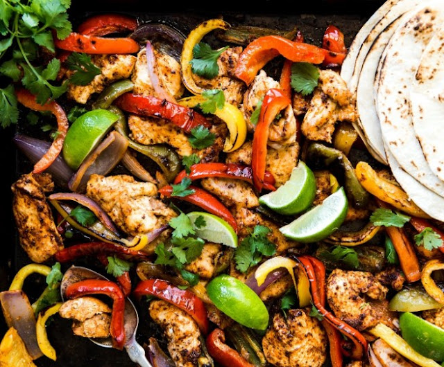 Chicken Fajita Bake (Paleo + Whole30) #lowcarb #diet