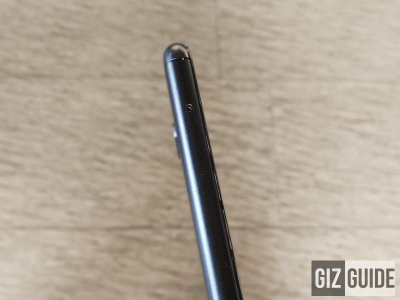 Hybrid dual SIM slot!