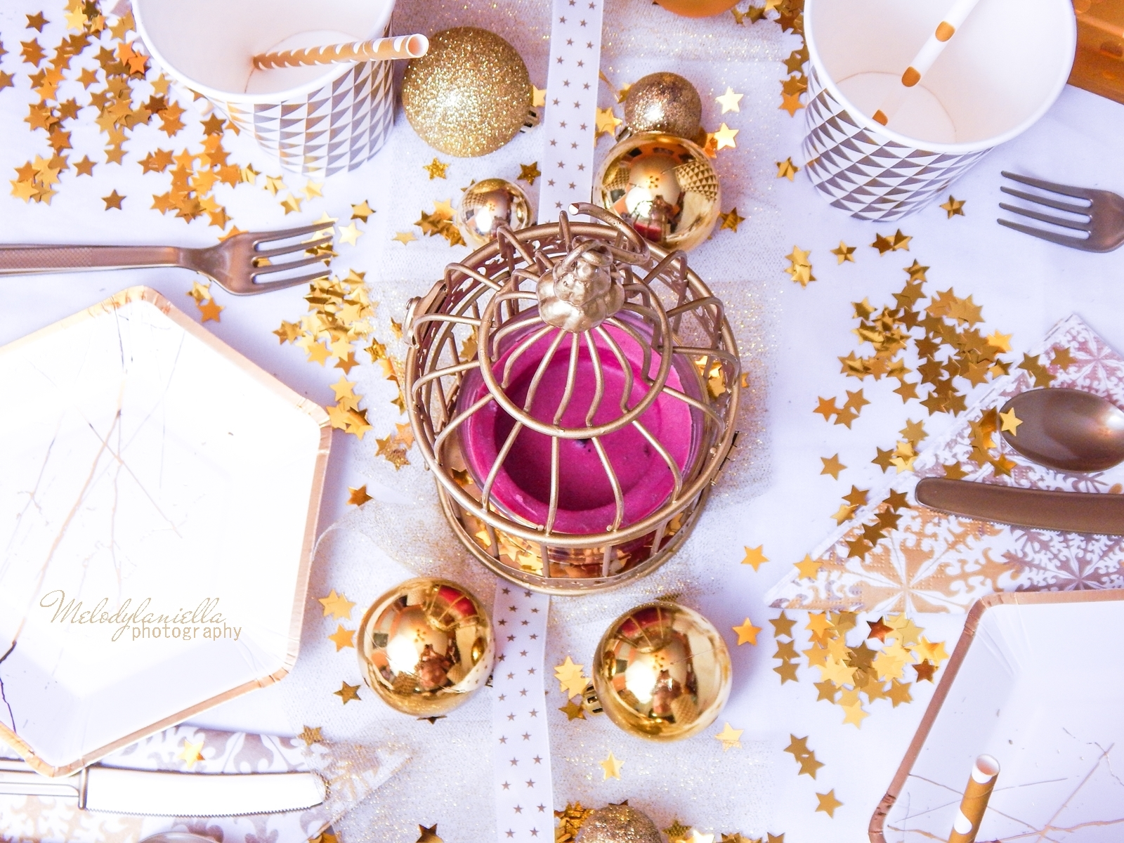 18 dekoracje do domu w kolorze złota melodylaniella partybox ciekawe dodatki do aranżancji świątecznego imprezowego stołu