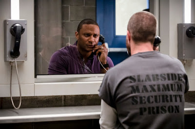Pictured (L-R): David Ramsey as John Diggle and Stephen Amell as Oliver Queen/Green Arrow -- Photo: Jack Rowand/The CW -- © The CW Network, LLC. All rights reserved.