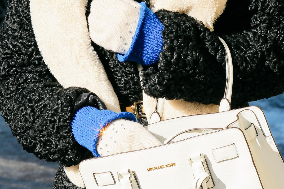 теплые перчатки, сумка
