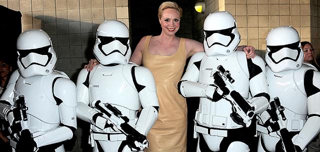 Gwendoline Christie (Captain Phasma), şi subordonaţi ei Stromtroopers