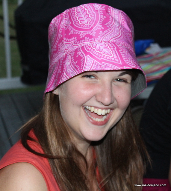 Wednesday Sewing – Bucket Hat in Sisboom – Butterick 3664
