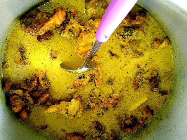 Kedai masak lemak cili padi sedap dan murah di Nilai, Ayam kampung salai lemak cili padi Nilai sedap
