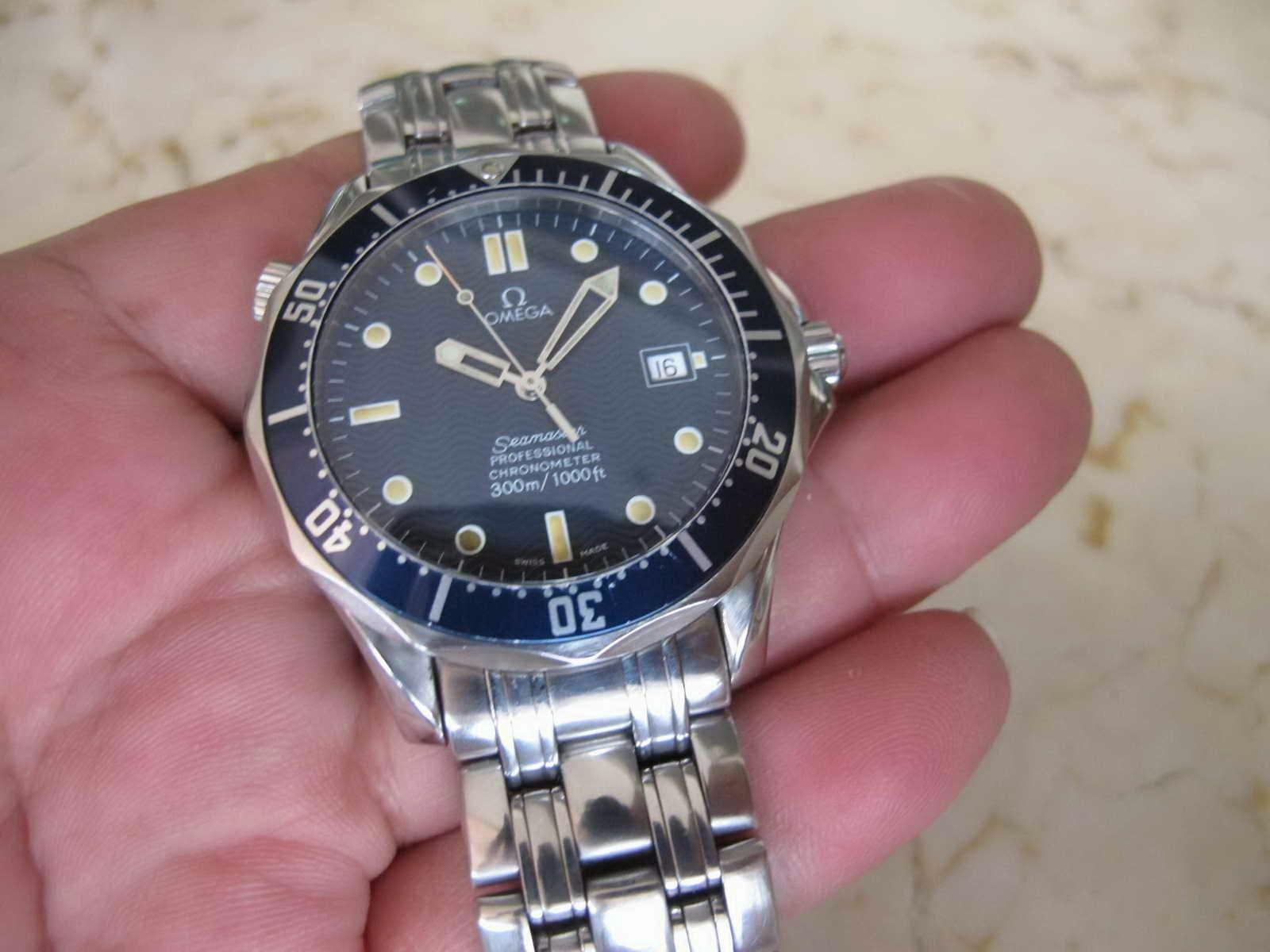 7eac880d2ff Kondisi OMEGA SEAMASTER PROFESSIONAL CHRONOMETER 300 M - OMEGA DIVER JAMES  BOND007 ini masih bagus... Cocok untuk Anda yang sedang mencari jam tangan  Diver ...